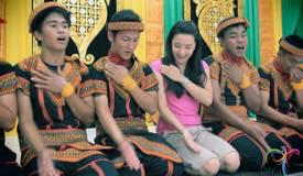 saman-traditional-dance-aceh-1.jpg